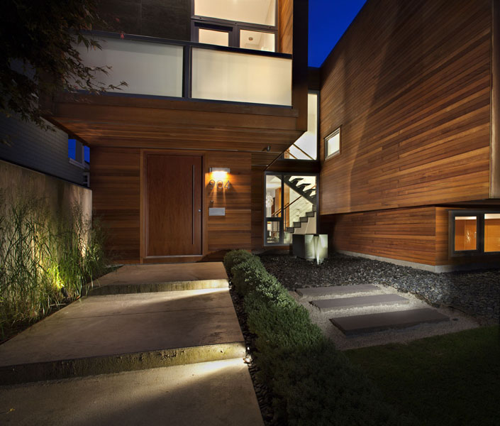Chilliwack street house by randy bens architect for Exterior design vancouver wa