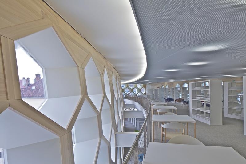 lons le saunier mediatheque by du besset lyon architectes. Black Bedroom Furniture Sets. Home Design Ideas