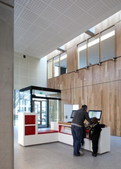 Ballyroan Library BOX