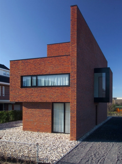 Brick Wall House 123DV