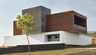 LA House Guilherme Torres
