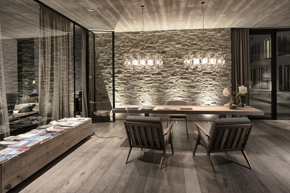 Wiesergut hotel by gogl partners architekten for Boutique hotel saalbach