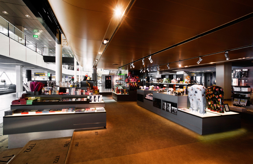 Schiphol museum shop by uxus for Best museum shops online