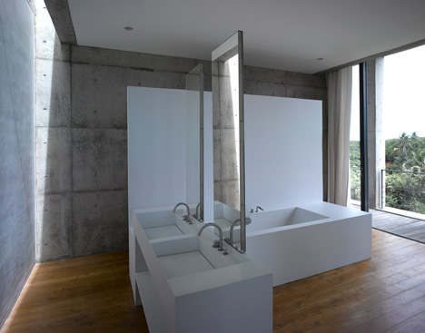 House in sri lanka by tadao ando for Bathroom design in sri lanka