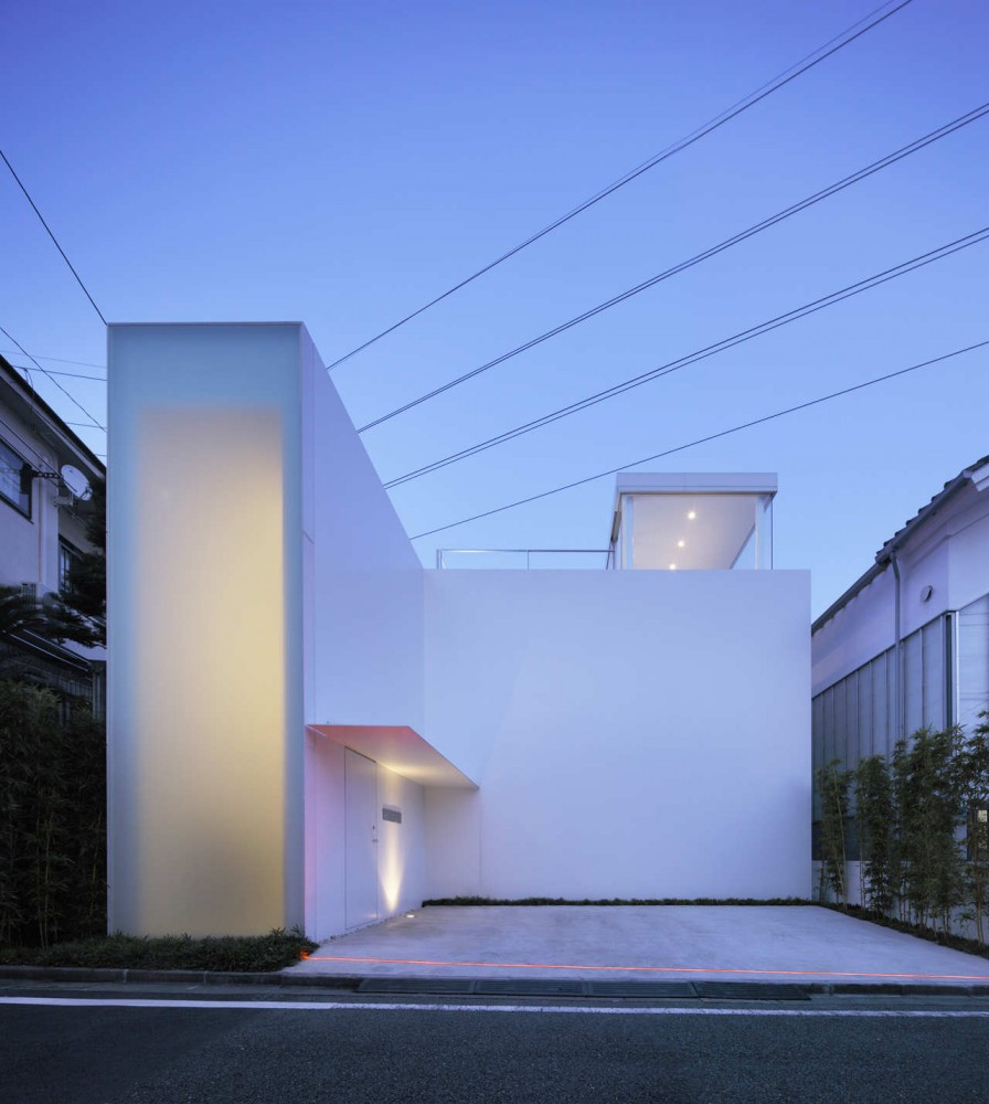 Cube court house by shinichi ogawa associates for Modern minimalist architecture