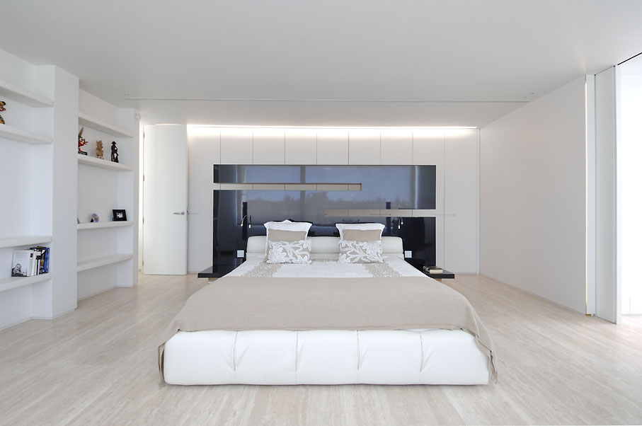 Simphony house by a cero for Decoracion piso joaquin torres