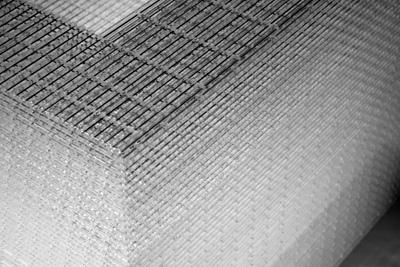 2450 White/Clear Chair