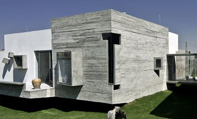 House for Two Artists by M+N Arquitectos