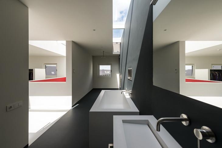 10x10x10 House