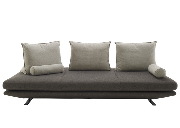 Prado sofa by christian werner for ligne roset for Canape lit ligne roset