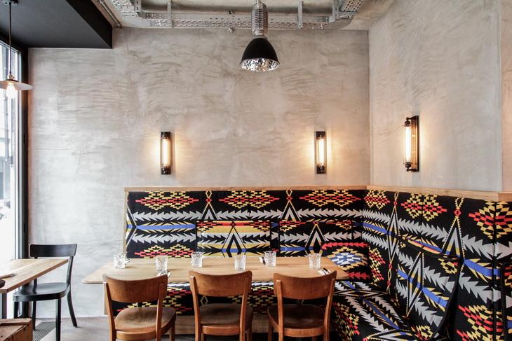 Restaurant bar löweneck by dyer smith frey