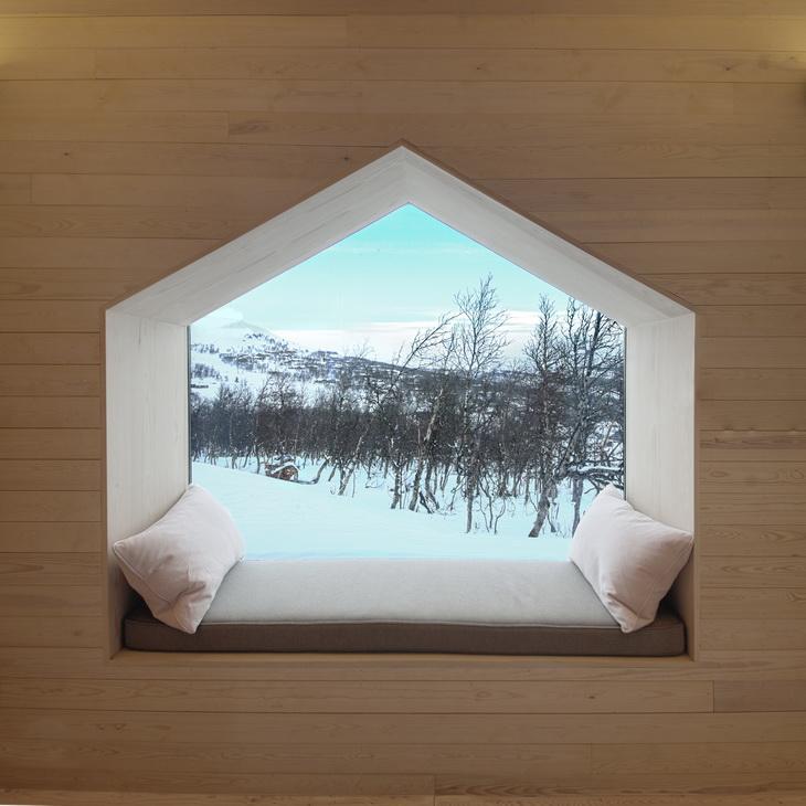 Split View Mountain Lodge
