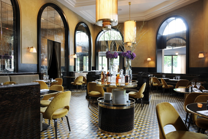 Renewal of le flandrin restaurant in paris redesigned by for Bar interieur maison