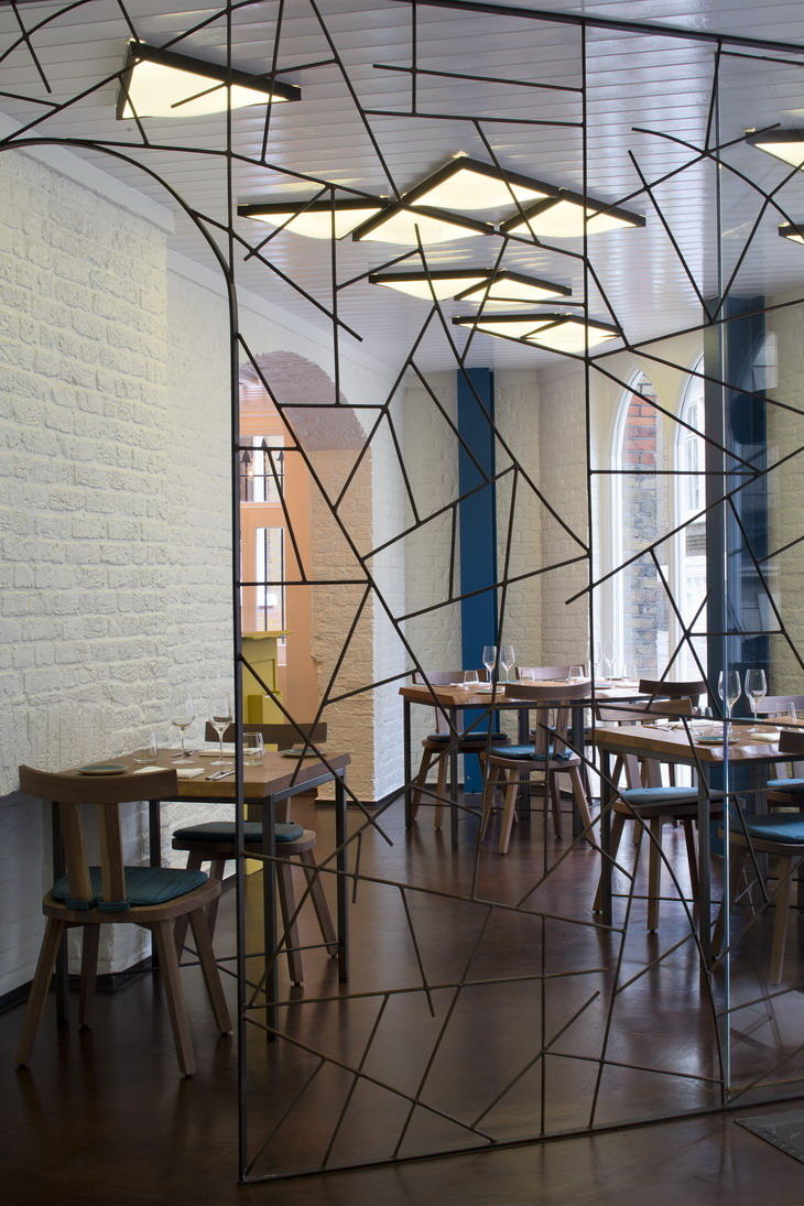 New Restaurant Lima Floral By B3 Designers
