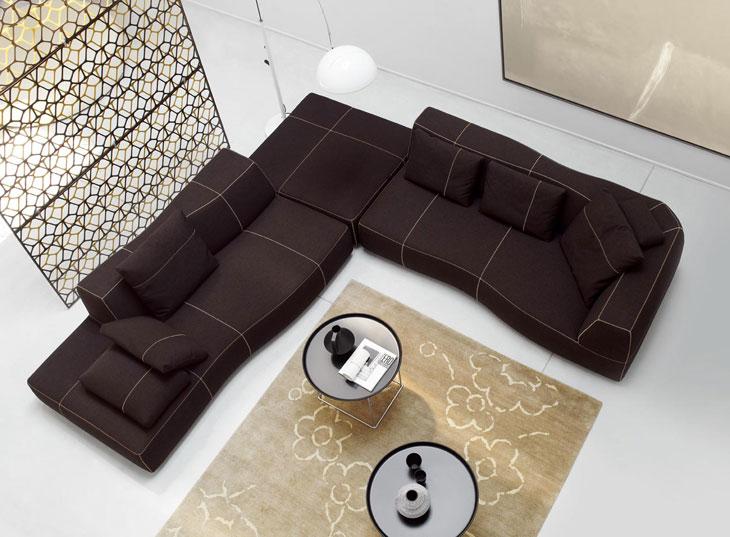 Bend-Sofa-by-Patricia-Urquiola-03