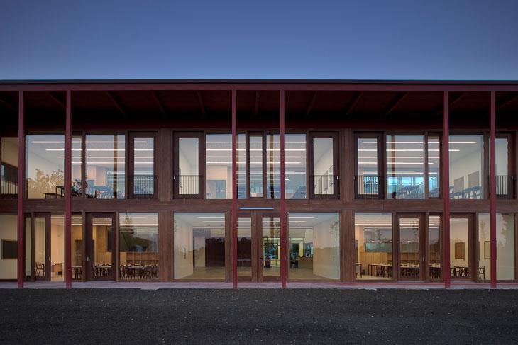 13_The-facade-facing-south.-Photo-by-Alessandra-Bello