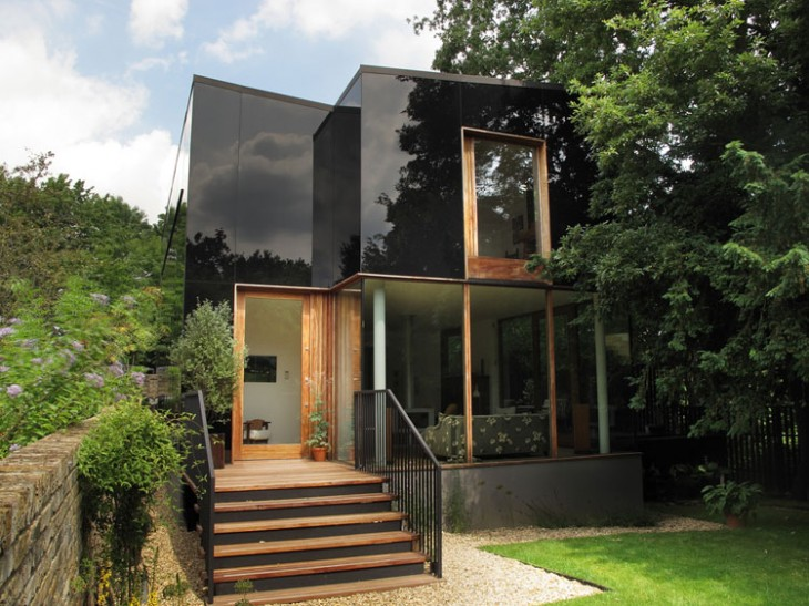The-Black-Glass-House-by-Ian-McChesney-01