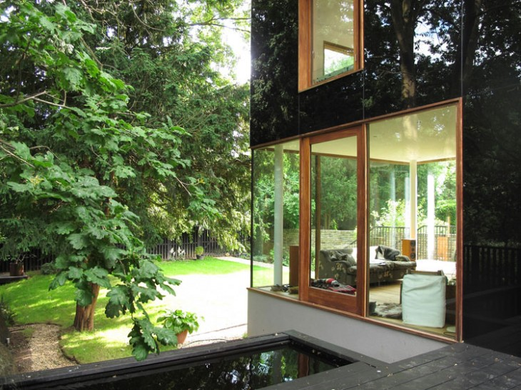 The-Black-Glass-House-by-Ian-McChesney-04