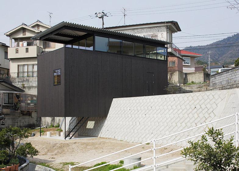 House-in-Miyake-by-Yoshio-Ohno-Architects_archiscene_784_2