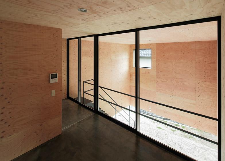 House-in-Miyake-by-Yoshio-Ohno-Architects_archiscene_784_5