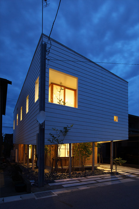 OH-House-by-Takeru-Shoji-Architects_archiscene_468_1