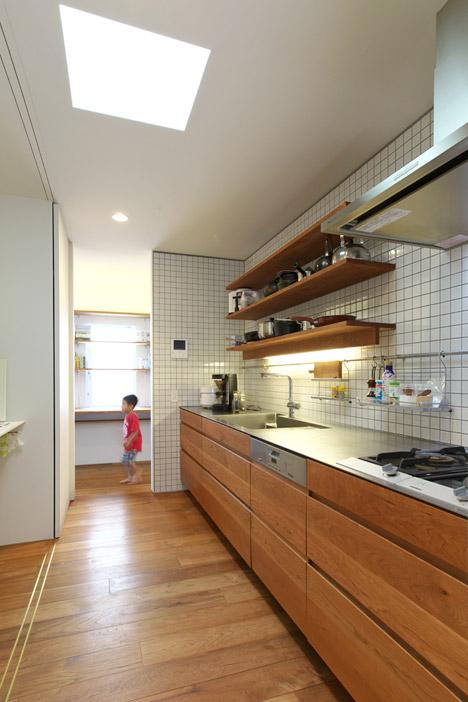 OH-House-by-Takeru-Shoji-Architects_archiscene_468_10