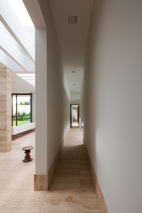 House-in-Cuernavaca-by-GoKo-Architecture_archiscene_468_8