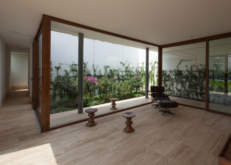 House-in-Cuernavaca-by-GoKo-Architecture_archiscene_784_0