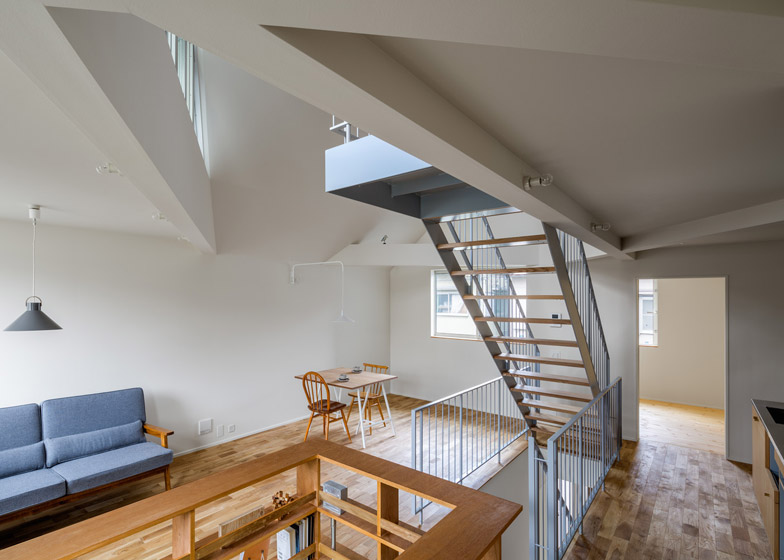 House-in-Tourimachi-by-SNARK_archiscene_784_12