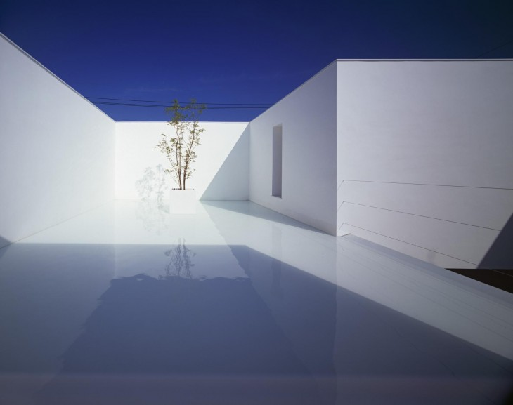 White Cave House 02