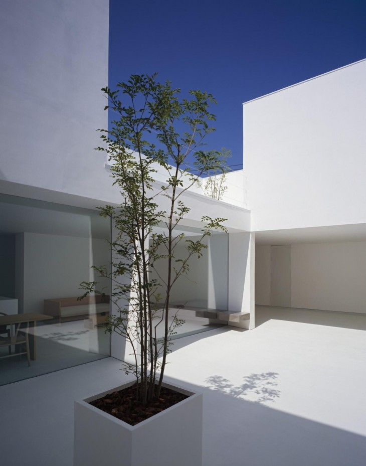 White Cave House 03