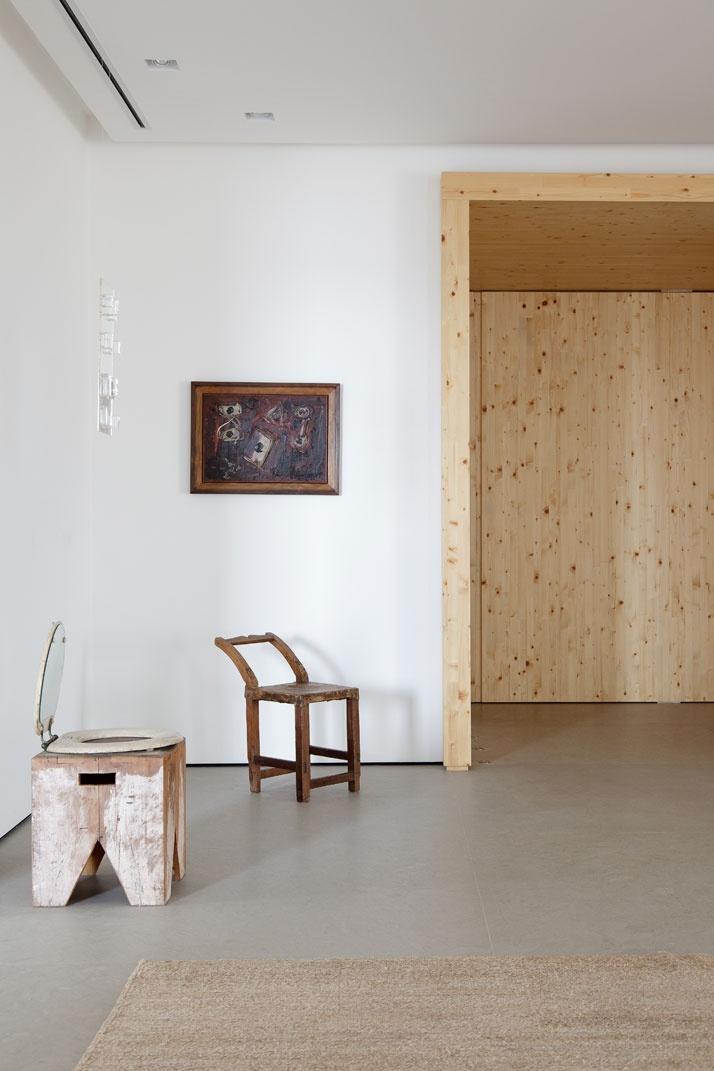 Artful Apartment 02