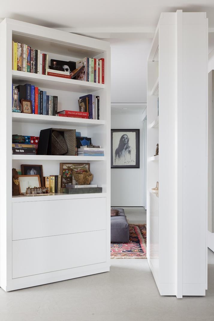 Artful Apartment 04