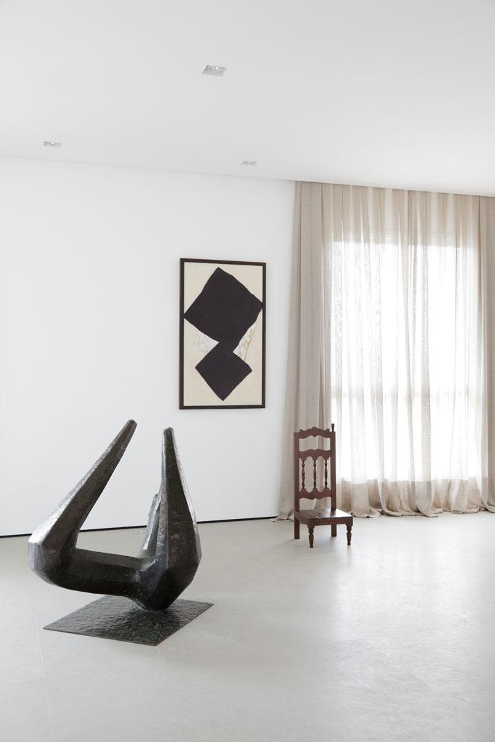Artful Apartment 08