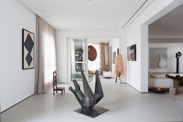 Artful Apartment 09