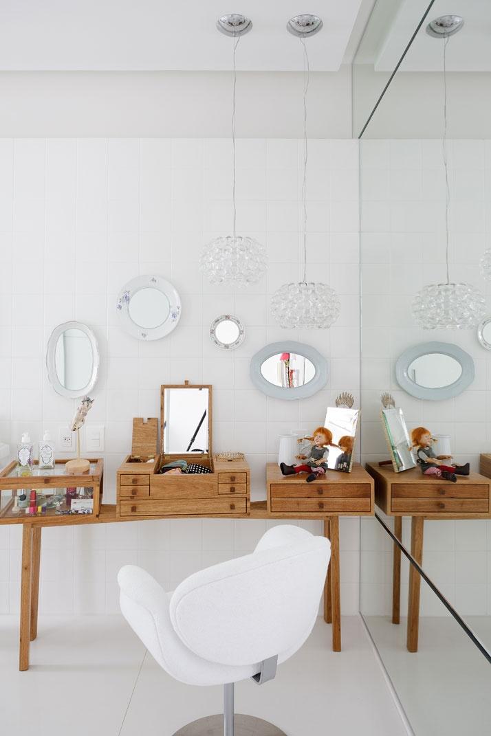 Artful Apartment 14