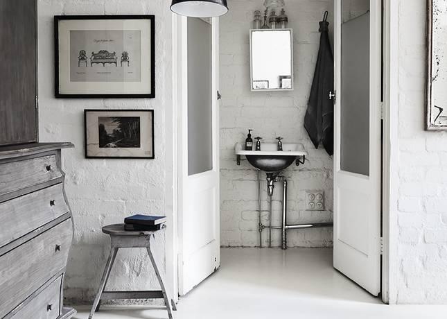 White Room 06