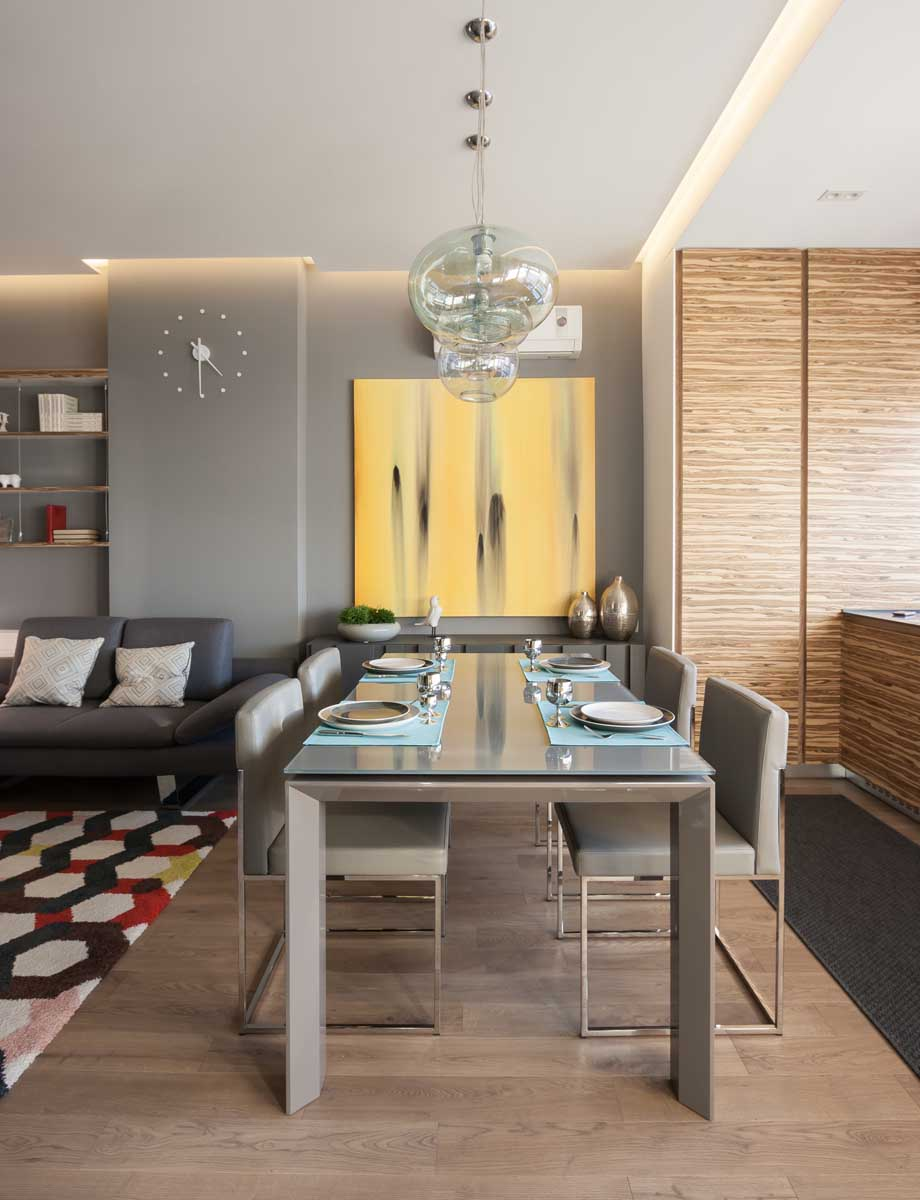 Contemporary Studio Apartment Design: Modern Apartment By SVOYA Studio
