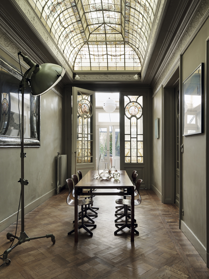 Stunning Art Nouveau Era Apartment In Antwerp