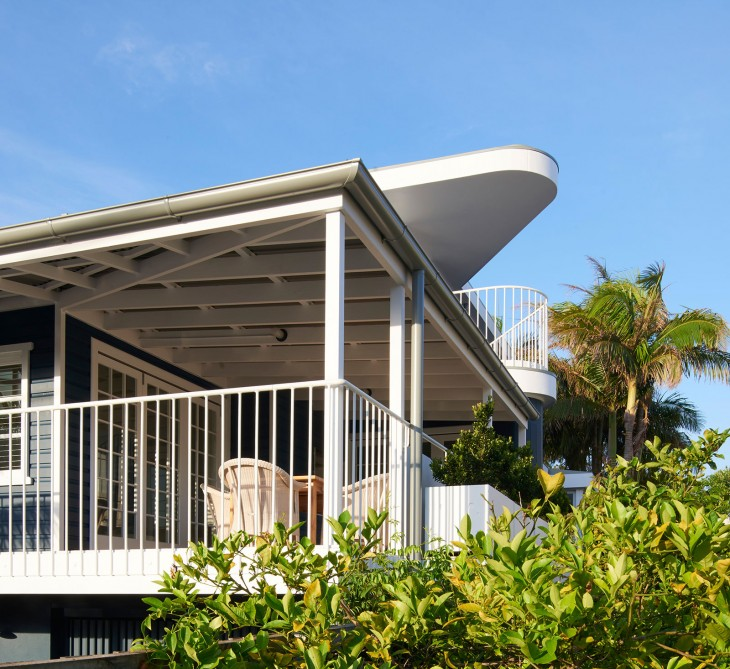 Luigi Rosselli Architects Beach House On Stilts 03