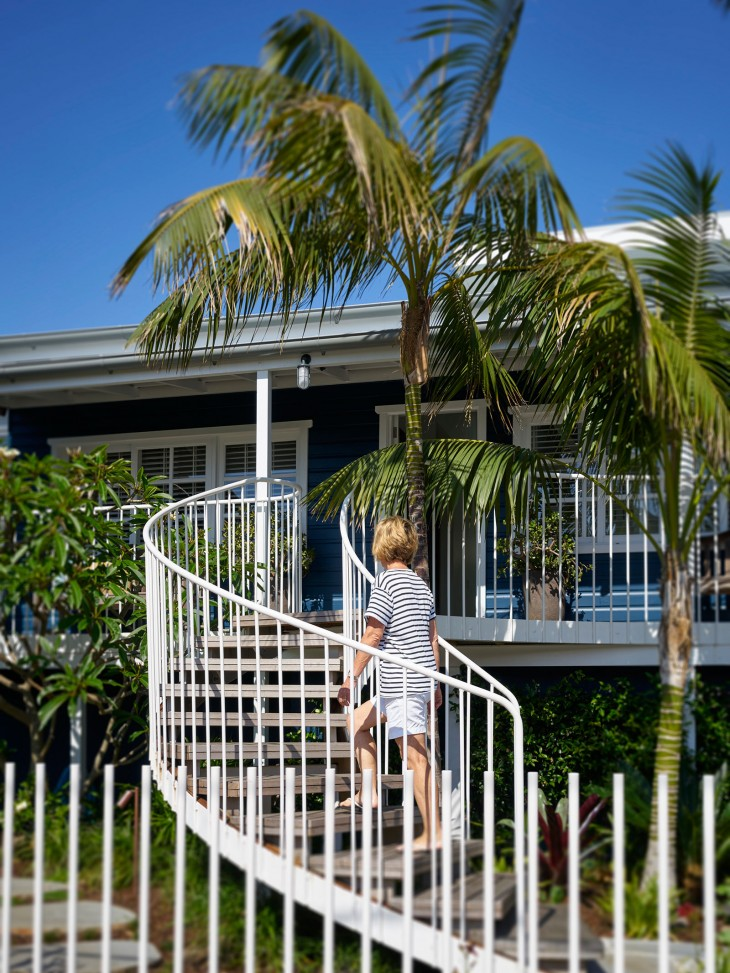 Luigi Rosselli Architects Beach House On Stilts 04
