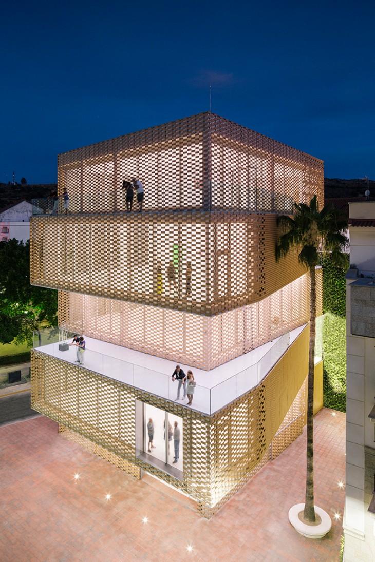 Cultural Center and Tobacco Museum by Ramiro Losada and Alberto García (5)