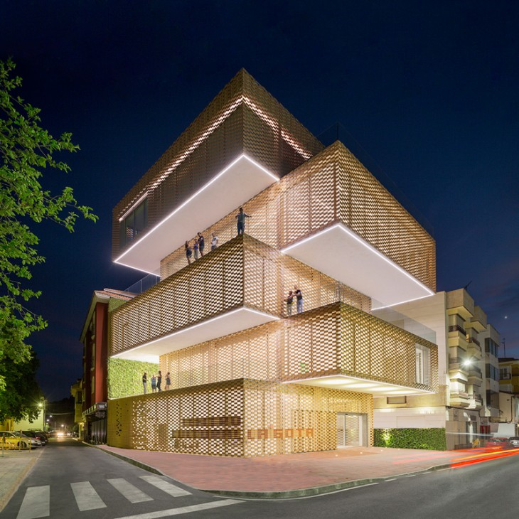 Cultural Center and Tobacco Museum by Ramiro Losada and Alberto García (6)