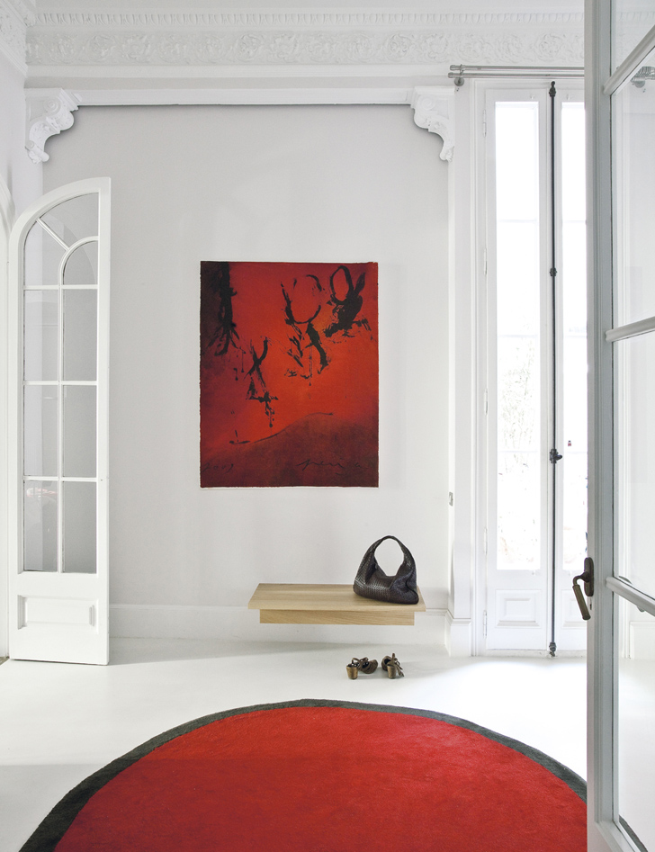 Culture Clash in stylish Apartment (2)