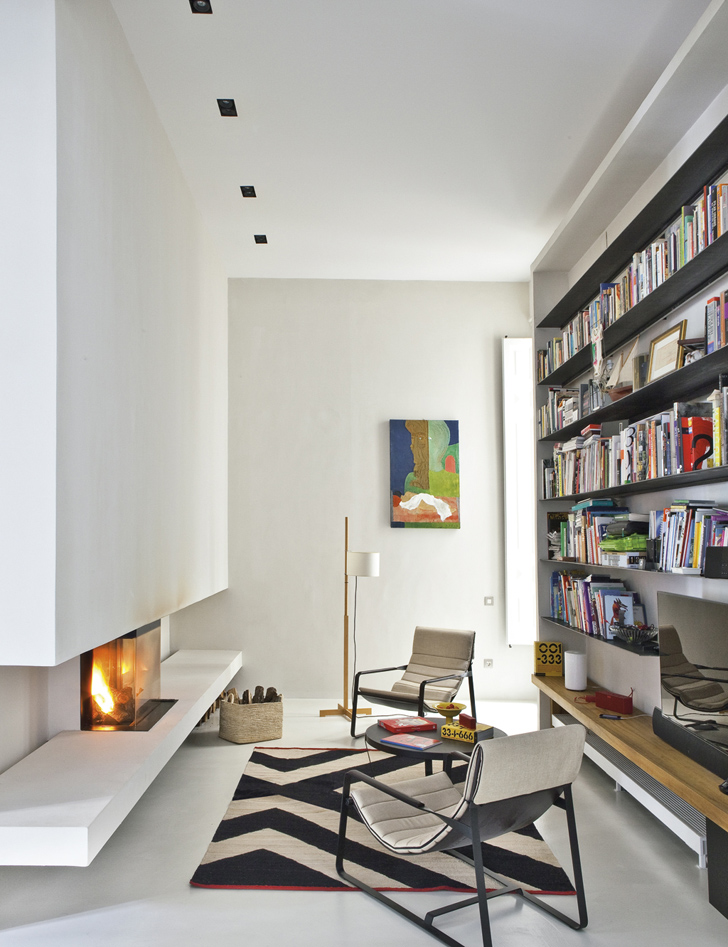 Culture Clash in stylish Apartment (3)