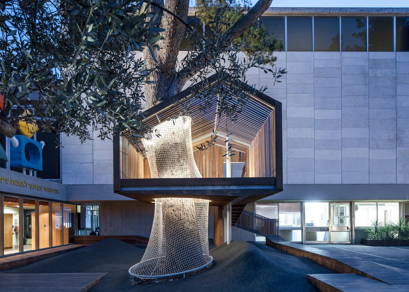 Imj tree house by ifat finkelman and deborah warschawski for In design homes