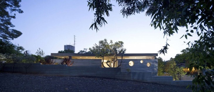 Ramat Hasharon Residence by Pitsou Kedem Architect