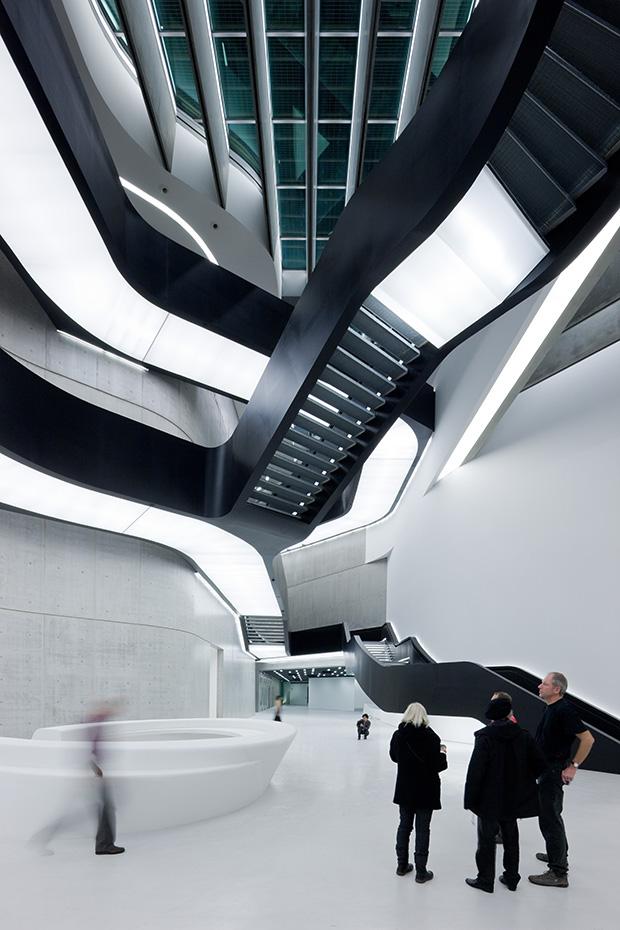 01.-MAXXI-Museum-of-XXI-Century-Art,-Rome_photo-Iwan-Baan