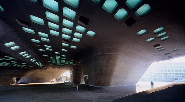03.-Phaeno-Science-Centre_photo-Werner-Huthmacher