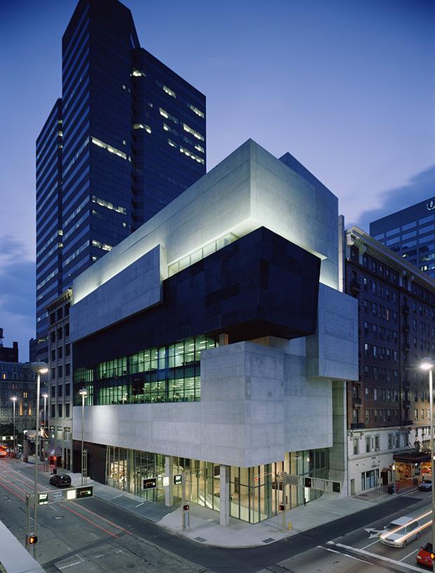 Contemporary-Arts-Center,-Cincinnati_photo-Roland-Halbe